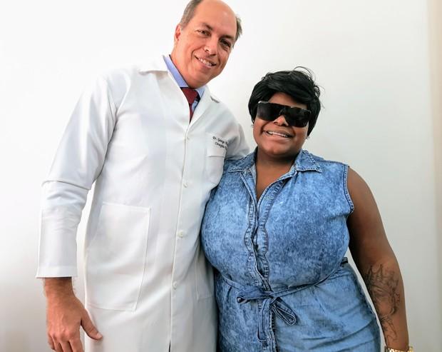 O cirurgião plástico George Mahfoud e Jojo Todynho (Foto: Divulgação)