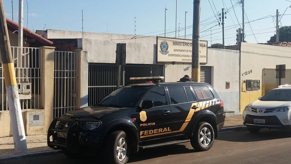Polícia Federal cumpre mandados durante a segunda fase da Operação Famulus (Foto: Divulgação)