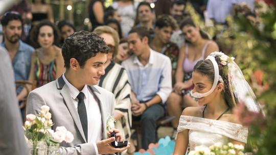 Kavaco e Amanda se casam