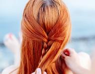 Evite o ressecamento dos cabelos no verão com 5 hábitos simples