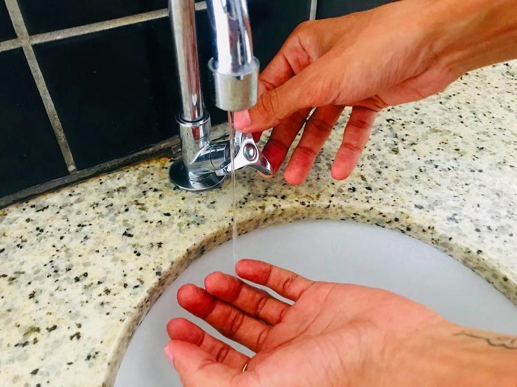 Rompimento de adutora atinge abastecimento de água em bairros de Curitiba e Araucária
