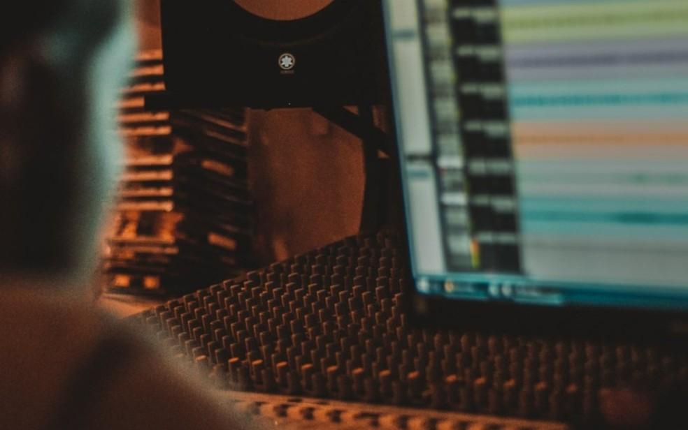 Programação oferece oficinas, masterclasses, painéis e aulas sobre cinema, música e jogos — Foto: BizzArt/Divulgação
