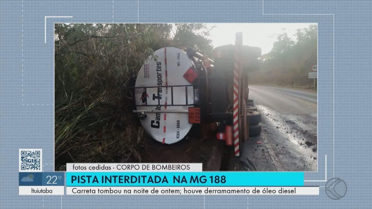 Carreta carregada com óleo diesel tomba e deixa trecho da MG-188 parcialmente interditado próximo a Coromandel