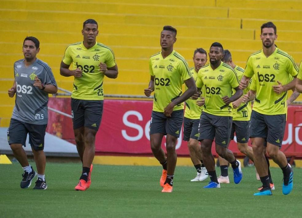 Bruno Henrique e Rafinha voltam ao time titular contra o Emelec — Foto: Alexandre Vidal / Flamengo