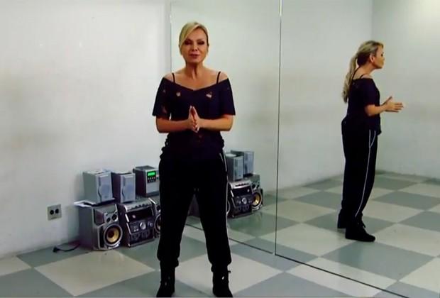 Eliana durante ensaios da coreografia como Britney Spears (Foto: Reprodução)