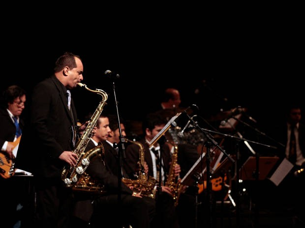 Amazônia Jazz Band apresenta concerto gratuito com clássicos das big bands