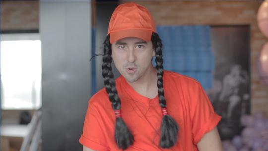#Zapp: Andy bate um papo com Tirulipa e embarca na vibe das paródias