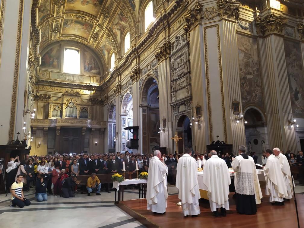 Missa foi realizada na manhã desta segunda-feira (14) — Foto: Maiana Belo/G1 Bahia