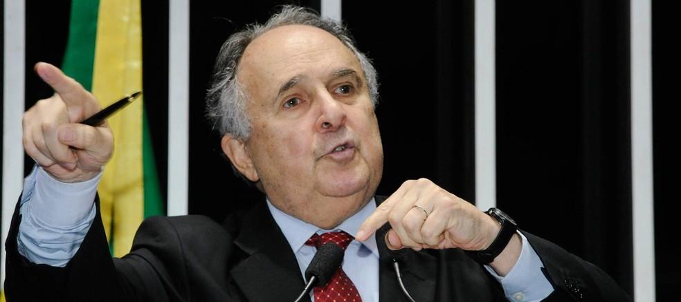 Cristovam Buarque (PPS) durante discurso no Senado — Foto: Waldemir Barreto/Agência Senado/Arquivo