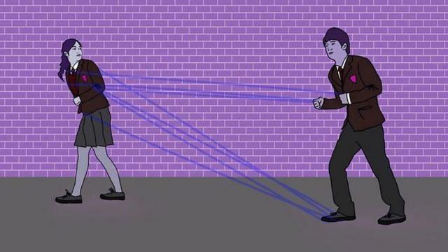 Relação abusiva: o que é o controle coercitivo e por que ele entrou para o currículo escolar britânico