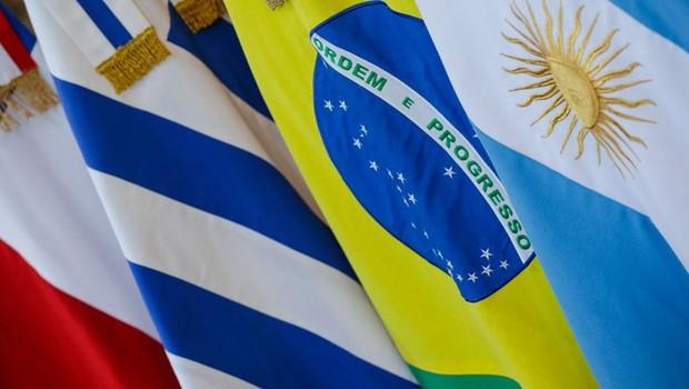 Bandeiras de países do Mercosul (Foto: Isac Nóbrega/PR)