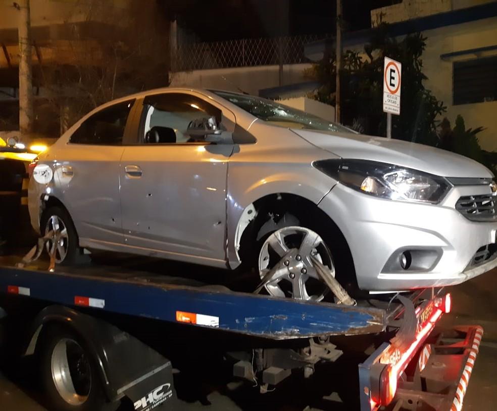 Assalto Viracopos: carro ficou crivado de balas durante tiroteio em entre guardas municipais e criminosos em Campinas  Foto: Luis Corvini/EPTV