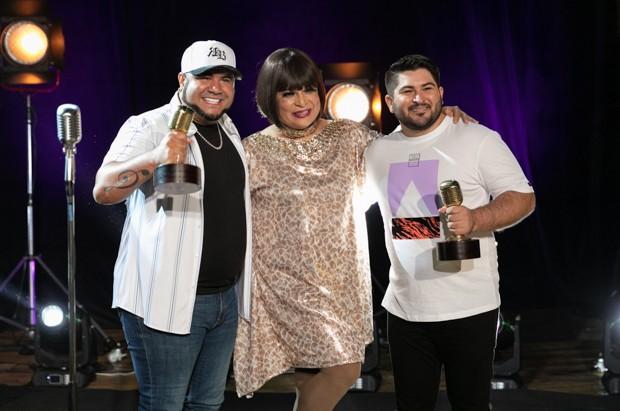 Barões da Pisadinha e Kayete no Prêmio Rádio Globo Quem (Foto: Leo Lemos/Ed. Globo)