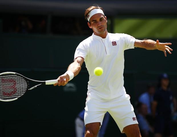 Roger Federer já em ação com o uniforme da Uniqlo (Foto: getty images)