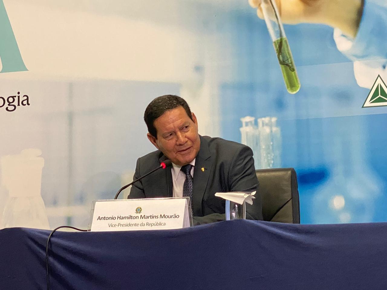 Vice-presidente Mourão visita Centro de Biotecnologia em Manaus