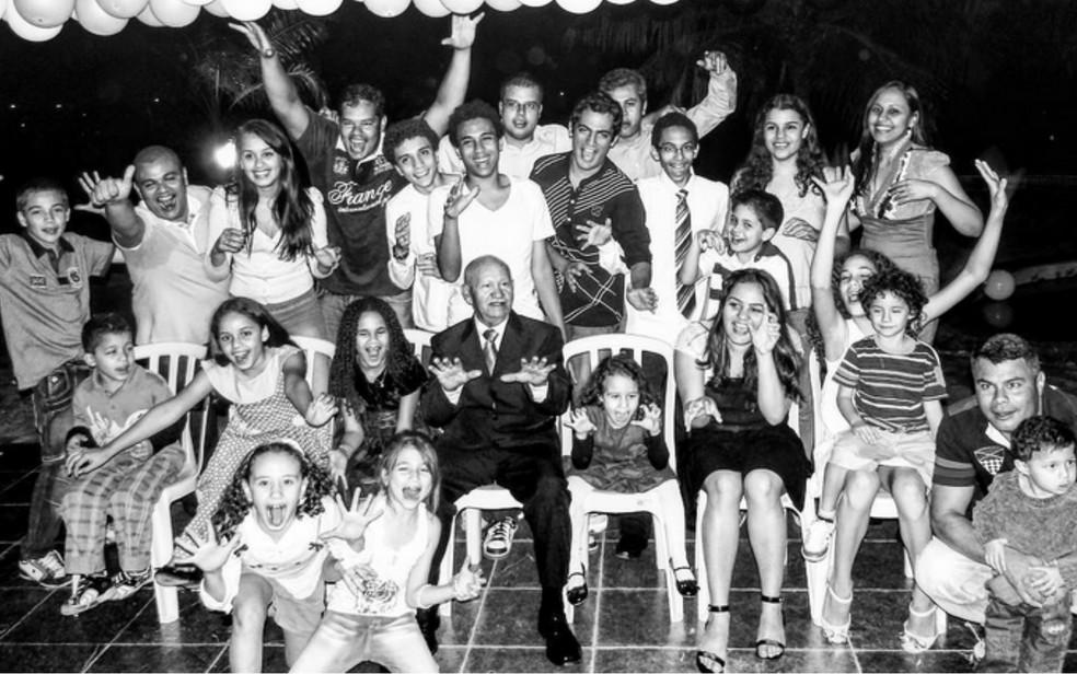 Parte dos netos e bisnetos de Adontino Soares da Silva (Foto: Instagram/Reprodução)