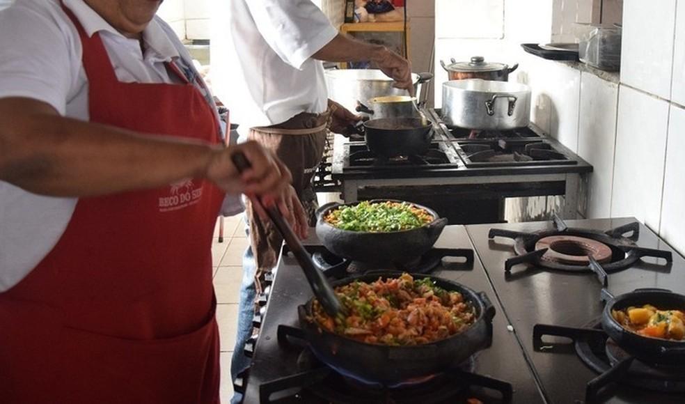 Há vagas para cozinheiro no Sine de Porto Velho nesta quarta-feira, 4 (Foto: Fred Loureiro/ Secom-ES)
