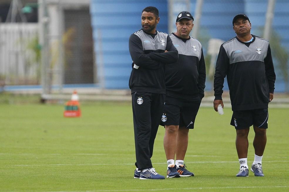 Roger e James Freitas começaram a trabalhar juntos no Grêmio — Foto: Lucas Uebel/ Divulgação Grêmio
