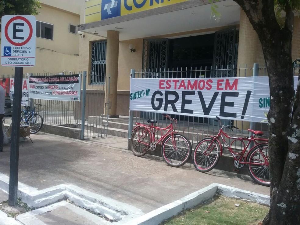 Agência em greve em Macapá (Foto: Divulgação/Sintect-AP)