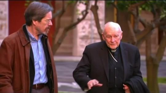 Papa expulsa do sacerdócio ex-cardeal americano McCarrick