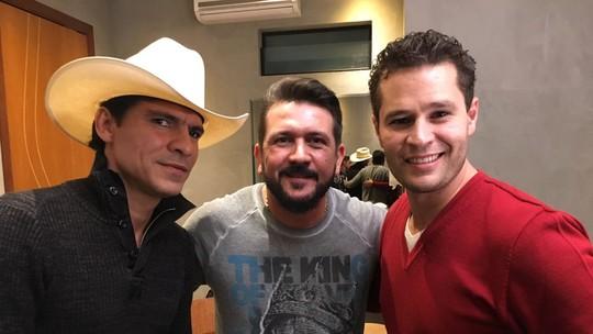 Pedro Leonardo acompanha gravação do DVD de Jads e Jadson