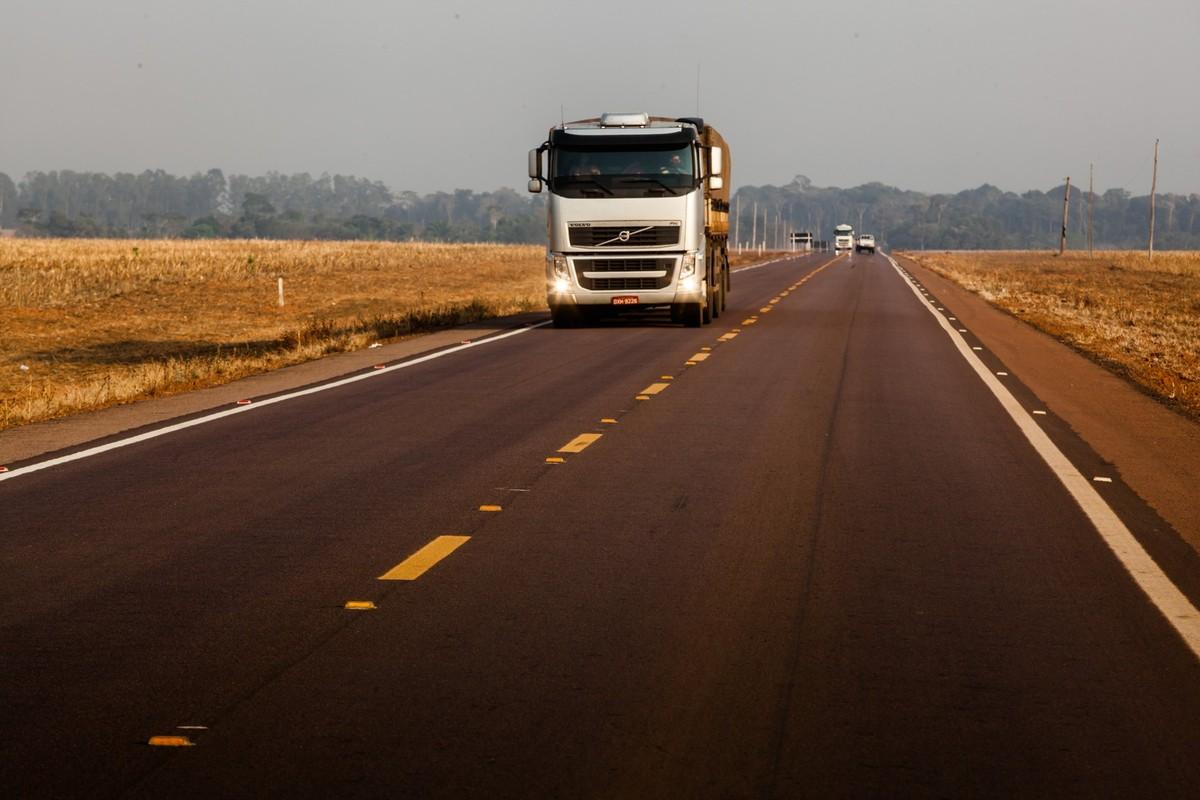 PRF inicia fiscalização nas estradas de MT durante feriado prolongado de Finados