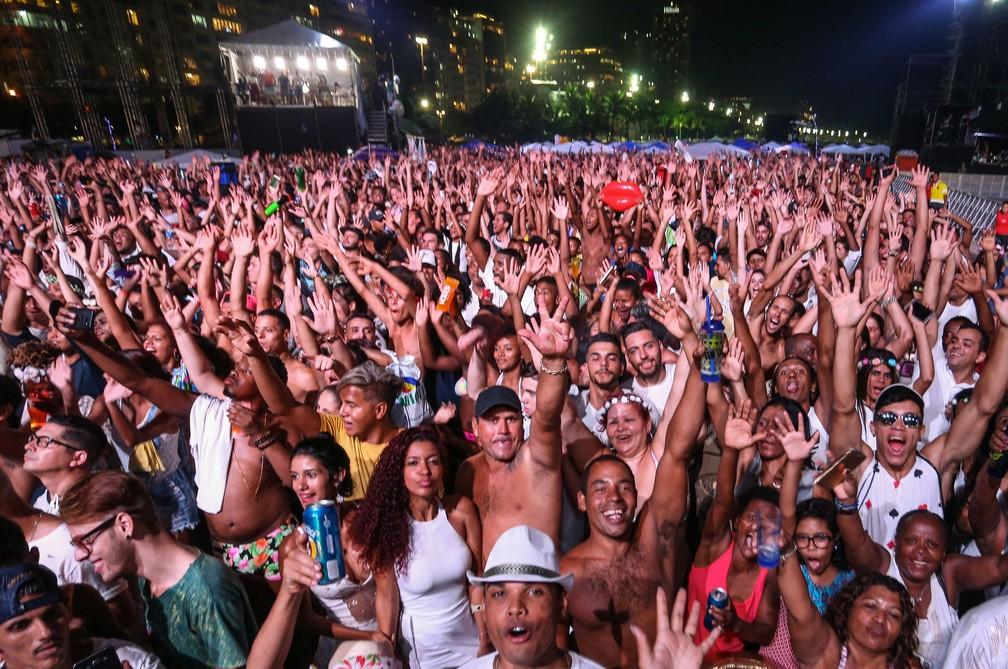 Copacabana tem grande público durante o show do Cidade Negra (Foto: Fernando Maia / RioTur / Divulgação)
