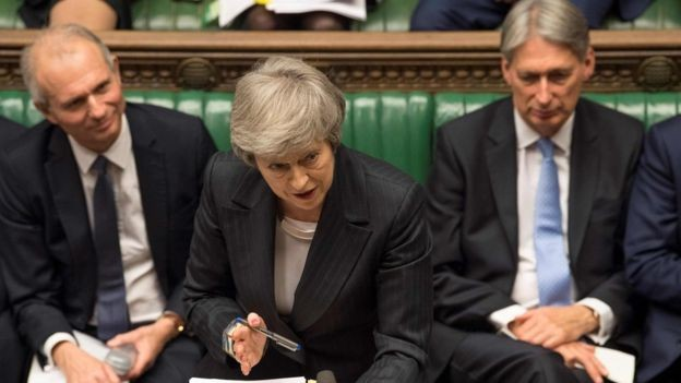 Theresa May enfrentou resistência até mesmo dentro de seu partido, o Conservador (Foto: AFP via BBC News Brasil)