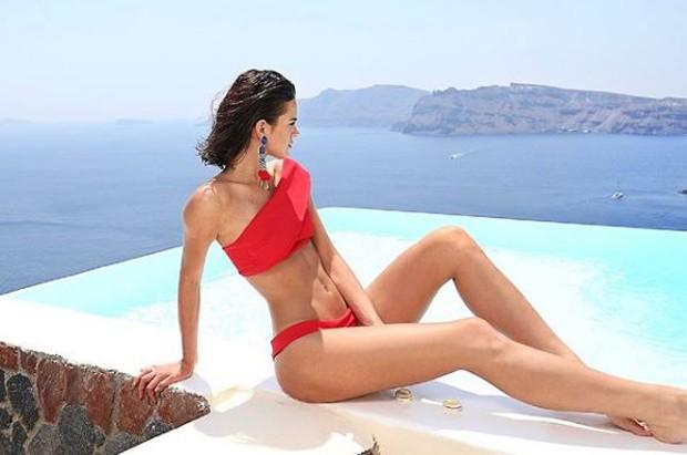 Bruna Marquezine curtindo Santorini, na Grécia (Foto: Reprodução/Instagram)
