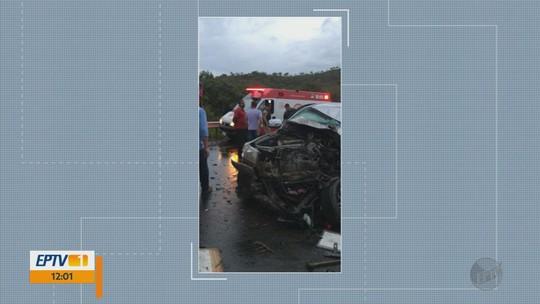 Motorista de caminhonete morre em acidente com carreta na BR-265, em Nazareno, MG