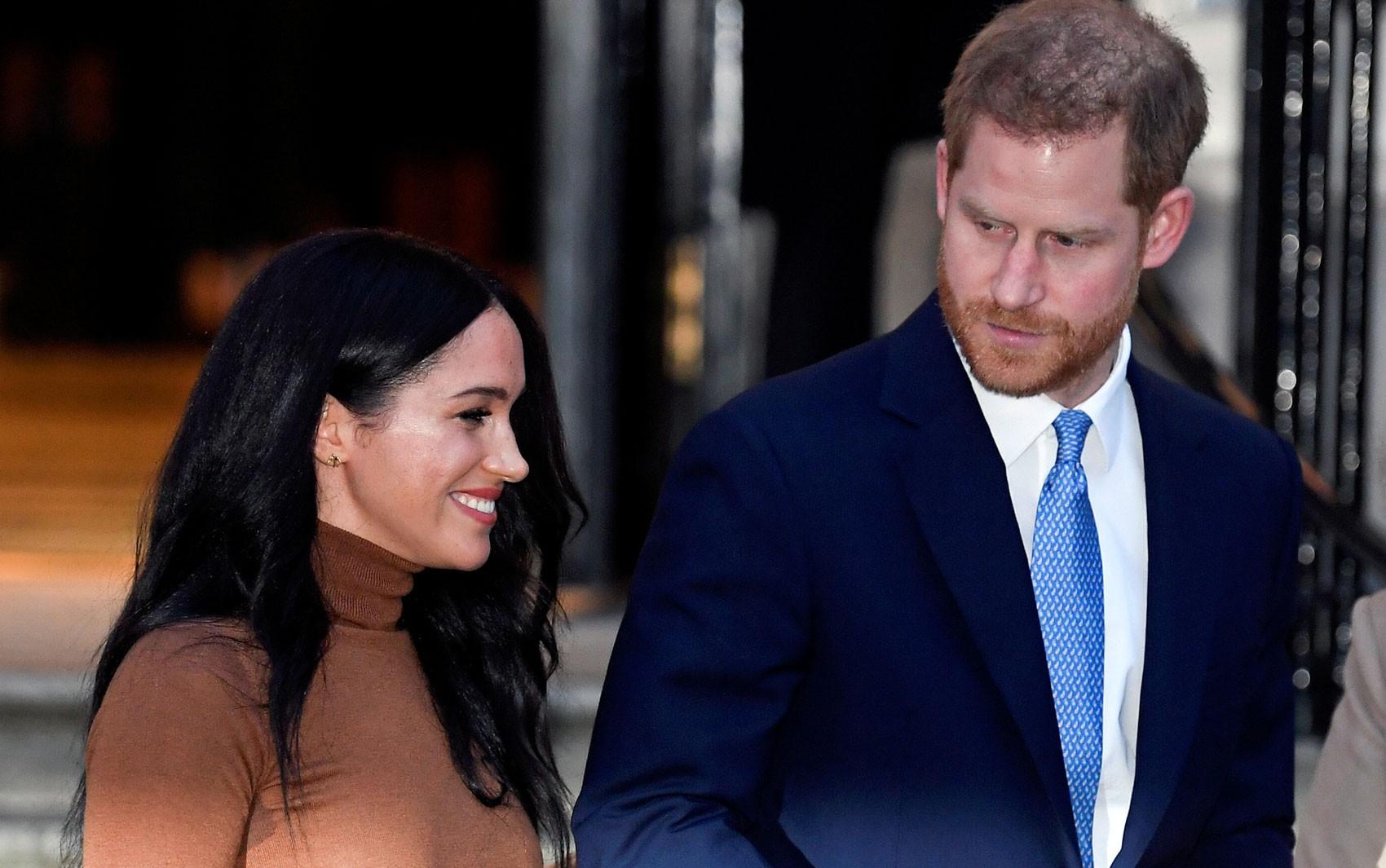 Harry e Meghan deixarão responsabilidade monárquicas em 31 de março
