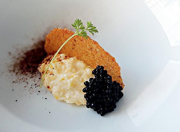 Curau, pele de banana e caviar (Foto: Andrea Marques)