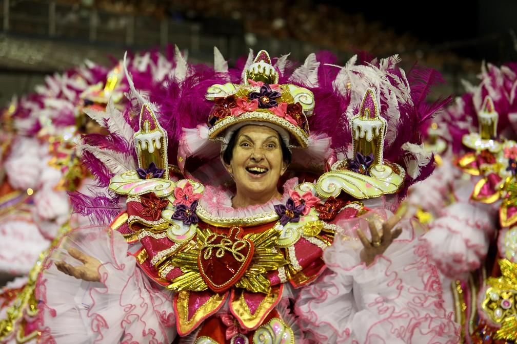 """70 baianas formam a ala """"Prece de mãe"""", no desfile da Rosas de Ouro (Foto: Marcelo Brandt/G1)"""