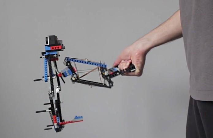 Estabilização de movimentos com o uso da GoPro no modelo de Lego (Foto: Divulgação/ProductTank)