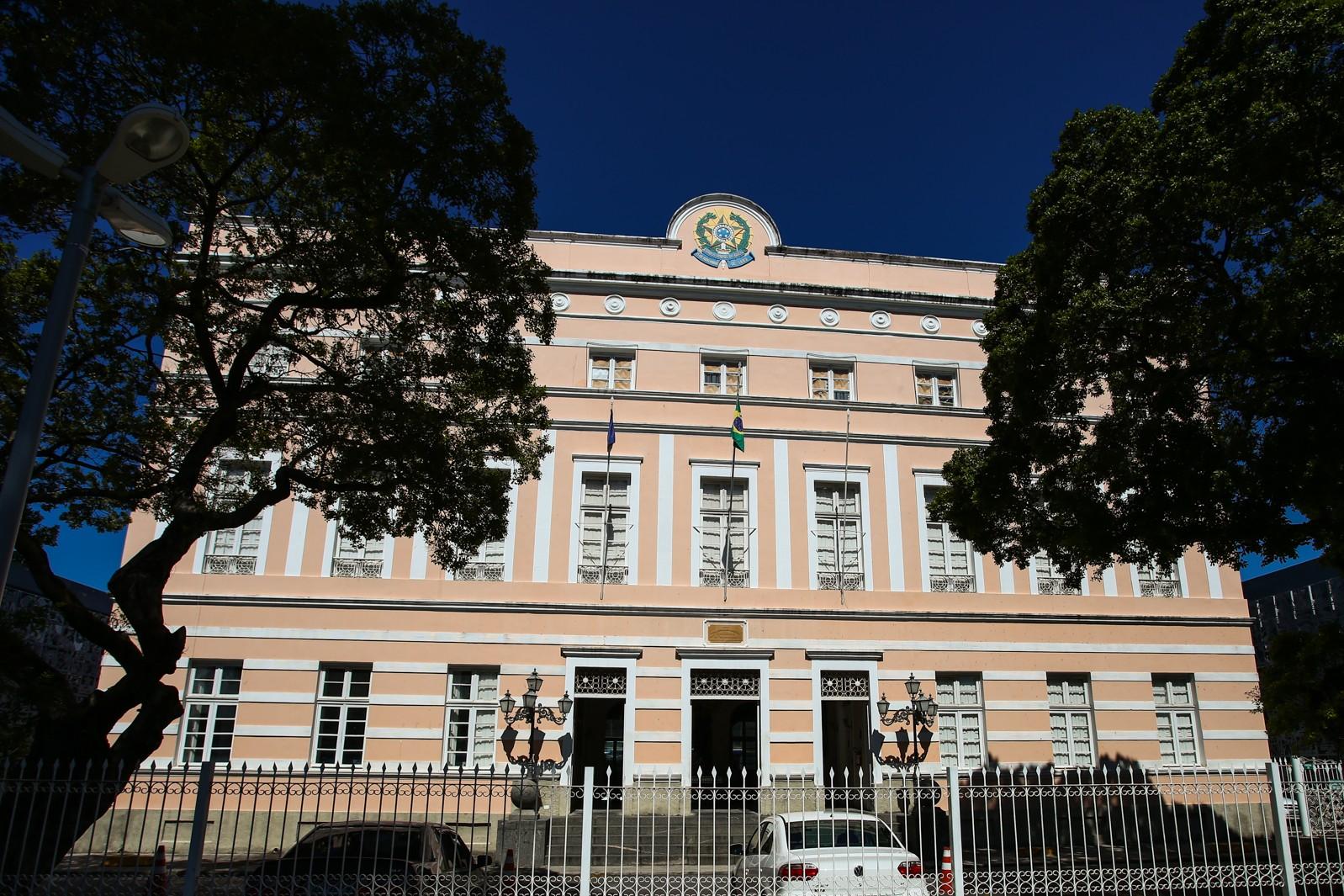 Projeto que reajusta salário da Educação em 40% é aprovado na Assembleia Legislativa de Alagoas