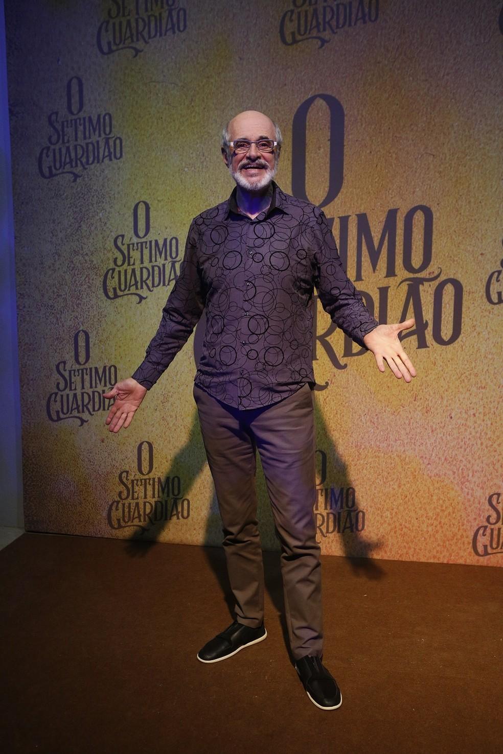 Marcos Caruso é Sóstenes, avô de criação de Luz (Marina Ruy Barbosa)  — Foto: Fabiano Battaglin/Gshow