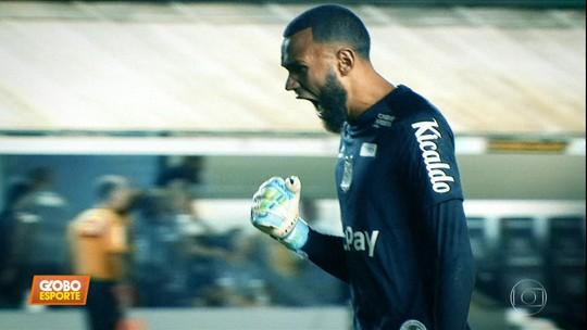 Invicto há cinco jogos, Santos revê rivais de sequência perfeita no 1º turno; veja vídeos e relembre