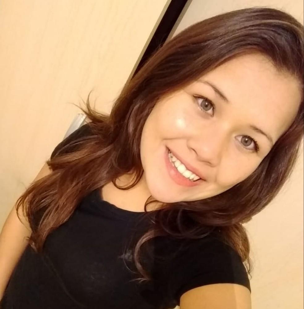 Ester Nunes morreu no acidente da BR-277, em São José dos Pinhais — Foto: Reprodução/Facebook