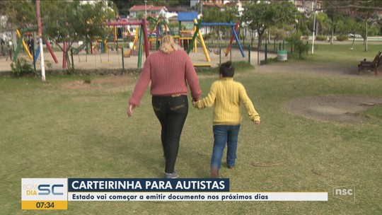 Carteiras de identificação para autista são entregues na Grande Florianópolis
