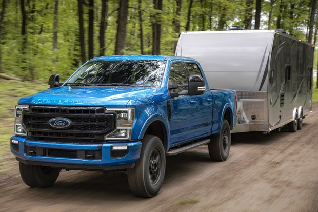 Ford F-Series, America's best-selling truck for 42 years, is once again raising the bar for capability with its all-new 7.3-liter V8 gasoline engine. The 7.3-liter engine in Super Duty pickup cranks out best-in-class gas V8 output of 430 horsepower at 5,5 (Foto: Divulgação)