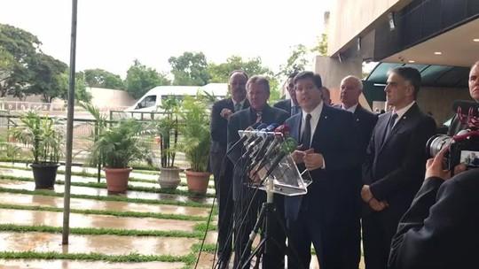 Após encontro com Bolsonaro, líder do MDB diz que partido não fará indicações ao governo