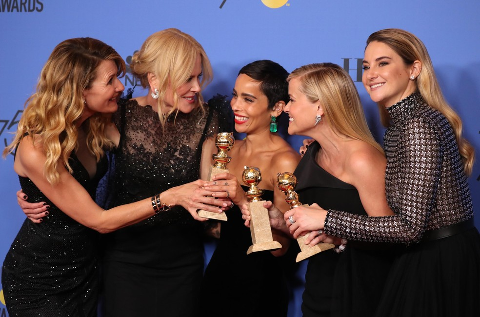 Laura Dern, Nicole Kidman, Zoe Kravitz, Reese Witherspoon e Shailene Woodley comemoram Globos de Ouro da série 'Big Little Lies' (Foto: Lucy Nicholson/Reuters)