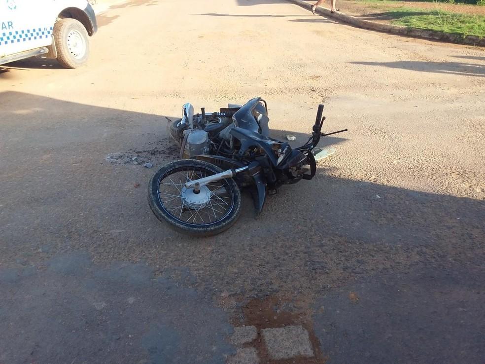 Motociclista de 23 anos morreu na hora.  — Foto: Divulgação