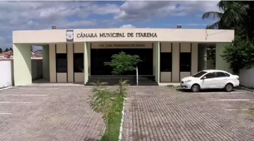 Vereadores que não foram presos elegeram nova mesa diretora (Foto: Reprodução/TV Verdes Mares)