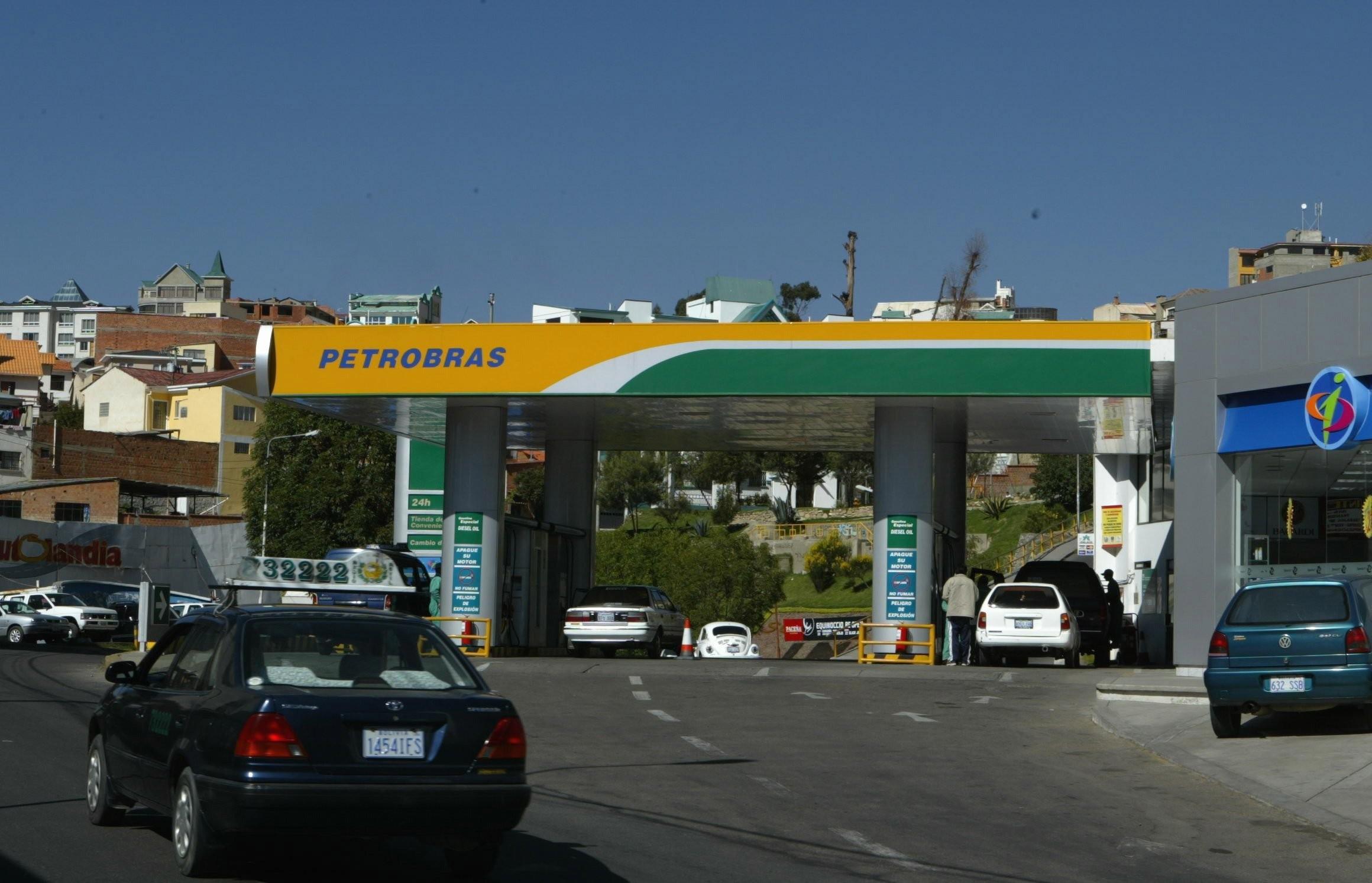 Posto de gasolina em La Paz