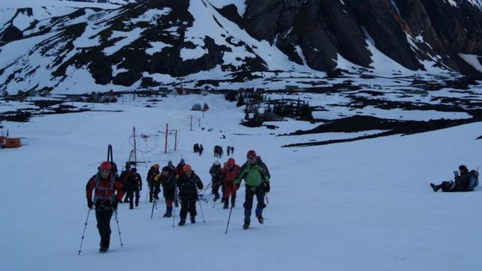 A expedição com os amigos em 2011 durou dois dias — Foto: PROYECTO PANZER/BBC