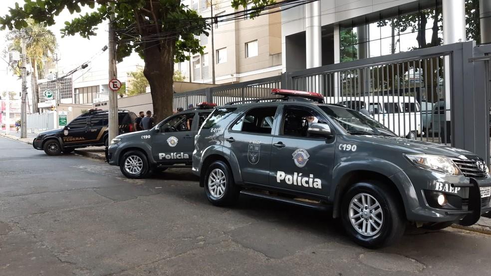 Polícia Federal cumpre mandados contra organização internacional do tráfico de drogas — Foto: Eduardo Rodrigues/EPTV