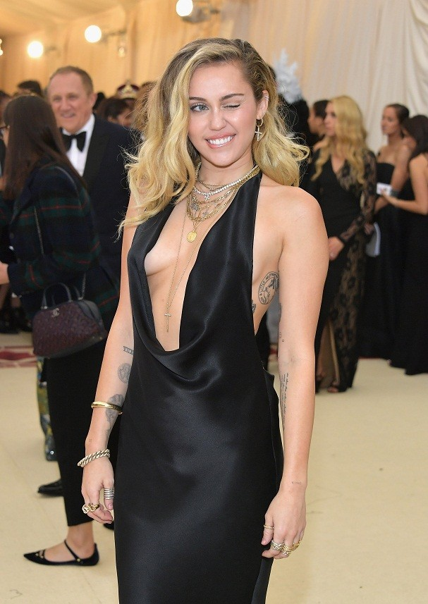 Miley Cyrus no Met Gala 2018 (Foto: Getty Images)