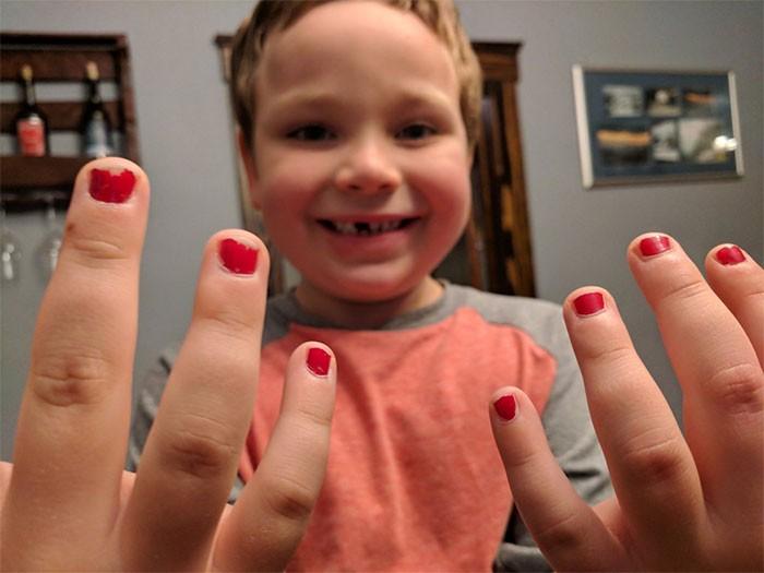 O pequeno Sam, de 5 anos (Foto: Reprodução/Twitter)
