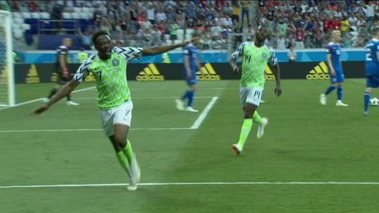 """Técnico """"ajuda"""" zagueiro a recuperar memória após choque: """"Se chama Pelé"""""""